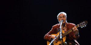 Caetano Veloso torna in Italia da solista: voce e chitarra