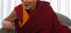 Era una battuta! il Dalai Lama si scusa per dichiarazioni sulle donne