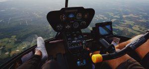 Due ragazzi rubano un aereo per gioco e ci riescono ... prima di essere scoperti