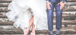 Sposa fa ingrassare le damigelle . . . per essere perfetta al matrimonio!