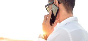 L'uso prolungato del telefono può causare tumori alla testa.