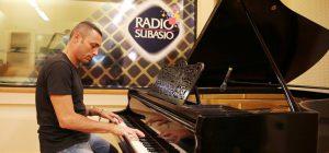 Alex Britti a Radio Subasio: le canzoni bussano alla porta... le scrivo e le lascio lì