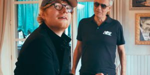 Londra, Ed Sheeran e Andrea Bocelli cantano per la priva volta dal vivo Perfect