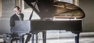 """Eros Ramazzotti pubblica il video di """"In Primo Piano"""" . . . scritta da Jovanotti"""