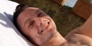 Tiziano Ferro si gode il preludio d'estate e ... pensa al nuovo album