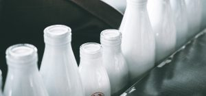Latte: Coldiretti, gettati in strada già 3 milioni di litri