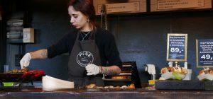Lavoro: Istat, il salario orario delle donne più basso del 7,4%