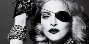 """Madonna contro il film sulla sua vita: """"solo io posso raccontare la mia storia"""""""