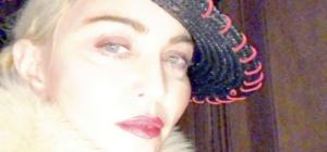 Lady Gaga e Madonna, no . . . non corre buon sangue!