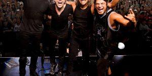 """Metallica, a Bologna cantano """"volare"""""""