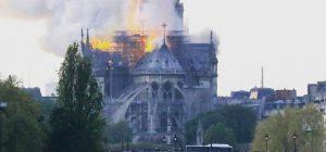 Notre Dame devastata ma non distrutta. Parte colletta mondiale