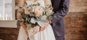 Nozze da brivido ... arriva la ex vestita da sposa!!!