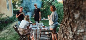 Consumi: famiglie tagliano acquisti cibi e bevande per 156 euro l'anno