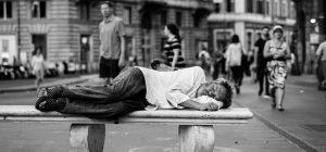Istat: In Italia è allarme povertà ... dal cibo alle spese sanitarie