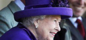 Il nobile gesto della Regina Elisabetta