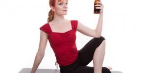 """""""Rage yoga"""", la yoga con urla, parolacce e birra"""