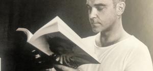 """Robbie Williams, """"Angels è stata scritta perchè da piccolo vedevo i fantasmi"""""""