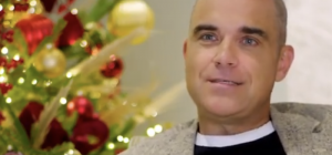 Robbie Williams è tornato per scaldare il Natale...