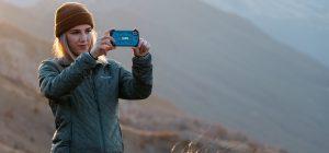 Selfie pericolosi. Studentessa americana precipita dal ciglio del burrone