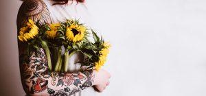 Tatuaggi: dopo l'inchiostro, gli aghi sospettati di provocare allergie.