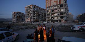 Terremoto: oltre 400 morti in Iran