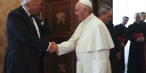 Donald Trump mezz'ora a porte chiuse con Papa Francesco