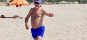 Vasco Rossi in spiaggia a sorpresa ... ed è delirio!