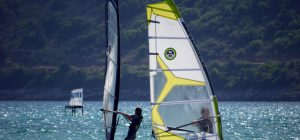 Estate, tempo di windsurf, ma occhio alla tavola!
