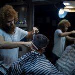 """Non gradisce il taglio di capelli dal barbiere e lo denuncia per """"lesioni personali"""""""
