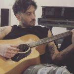 """Fabrizio Moro, """"Nuove canzoni nella stanza..."""""""