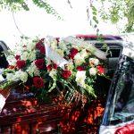 Los Angeles: ruba carro funebre con la bara dentro