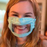 Innovazione: mascherine trasparenti e corsi di lingua dei segni per i farmacisti