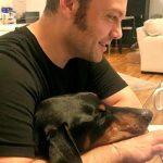 Tiziano Ferro, il cane Beau ricoverato d'urgenza