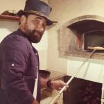 Tiromancino pizzaiolo per amore della Puglia