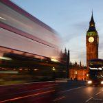 Londra autorizza il vaccino Pfizer