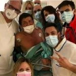 Gianni Morandi in ospedale tra cure e affetto di medici e infermieri