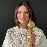 Laura Pausini, finalmente il Golden Globe è tra le sue mani