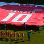 Europei: Danimarca-Belgio omaggio ad Erikesn stop e applausi al 10′