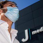 Calcio: Locatelli alla Juve visite mediche e primi autografi
