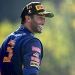 F1: Ricciardo vince GP d'Italia. Fuori Hamilton e Verstappen