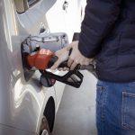 Benzina: Uecoop, per pieno +5,5 euro in sette giorni