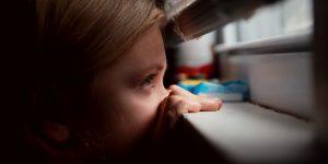 Bambini: sì ad attività in solitaria all'esterno