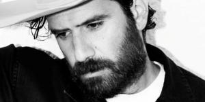 Tommaso Paradiso, un cameo nel film 'Sotto il sole di Riccione'